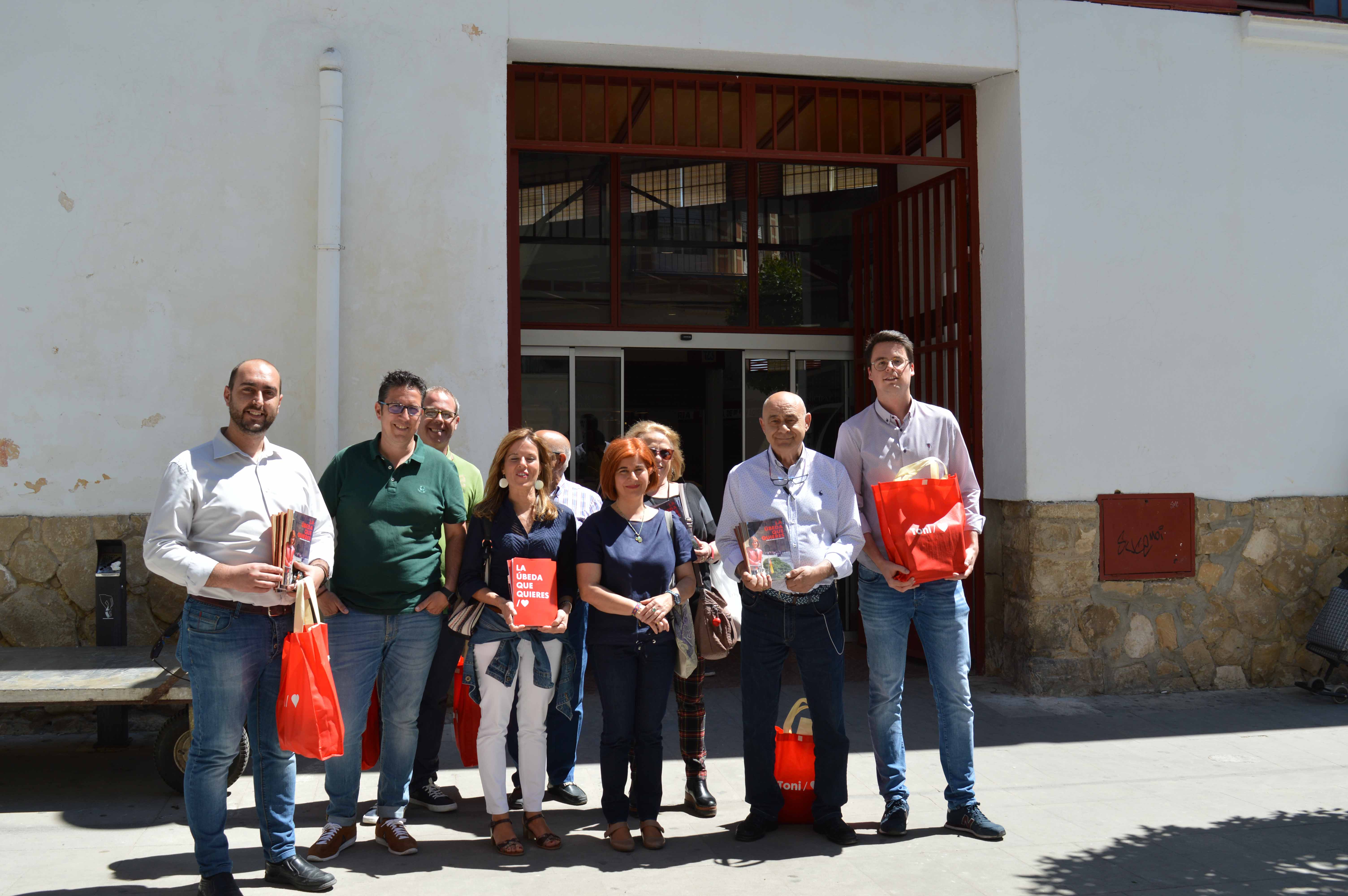 """Olivares: """"Desde el inicio del mandato adquirimos un compromiso con el Mercado y sus comerciantes"""""""