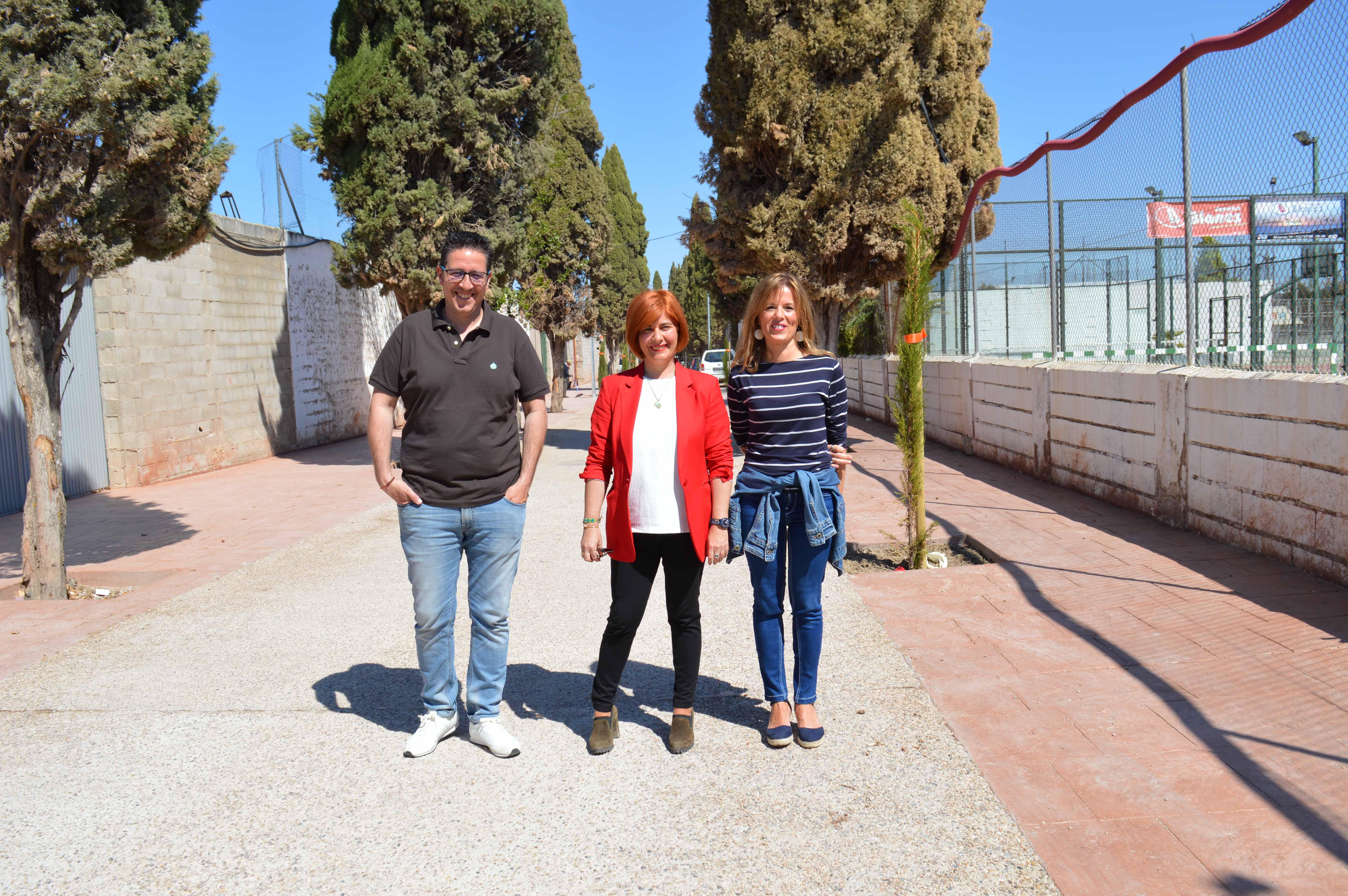 """Olivares: """" El Camino del Cementerio estará terminado muy pronto, resolviendo así una demanda ciudadana"""""""